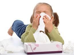 Raffreddore e mal di gola: come curare i malesseri stagionali più comuni