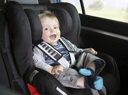Come viaggiare con un neonato di poche settimane?